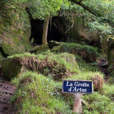 la grotte d'Artus